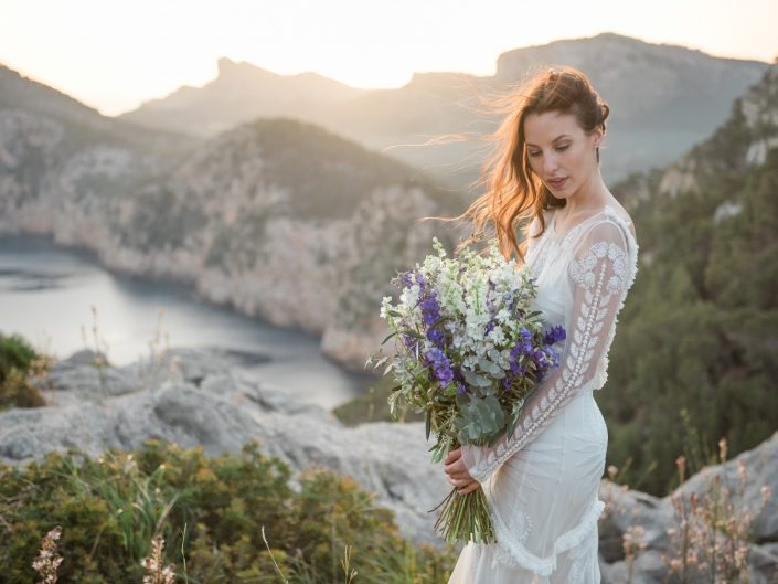 Boho inspired sunrise shoot Mallorca